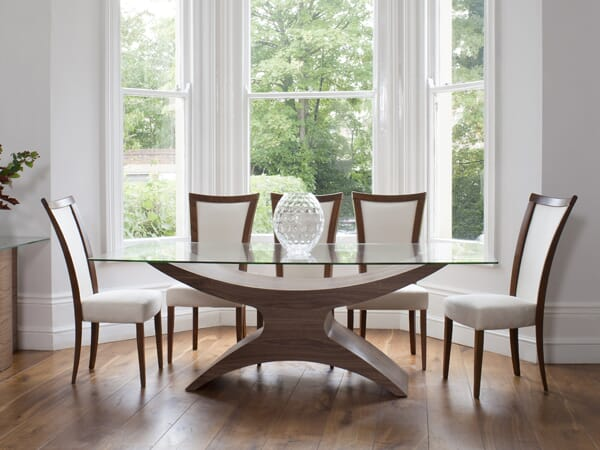Atlas Dining Table. Excellent condition