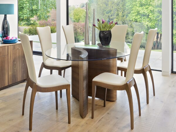 Serpent Dining Table, Walnut Natural. Perfect condition